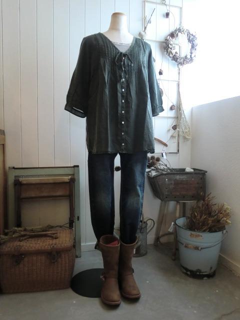 服と看板と。_a0164280_7122578.jpg