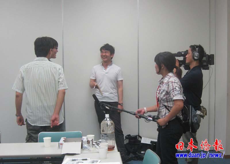 日本广岛汉语角举行首次交流会 华人学者出任顾问_d0027795_17474116.jpg