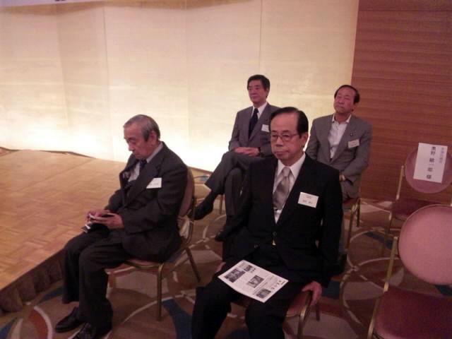 福田元総理も出席_d0027795_19312196.jpg