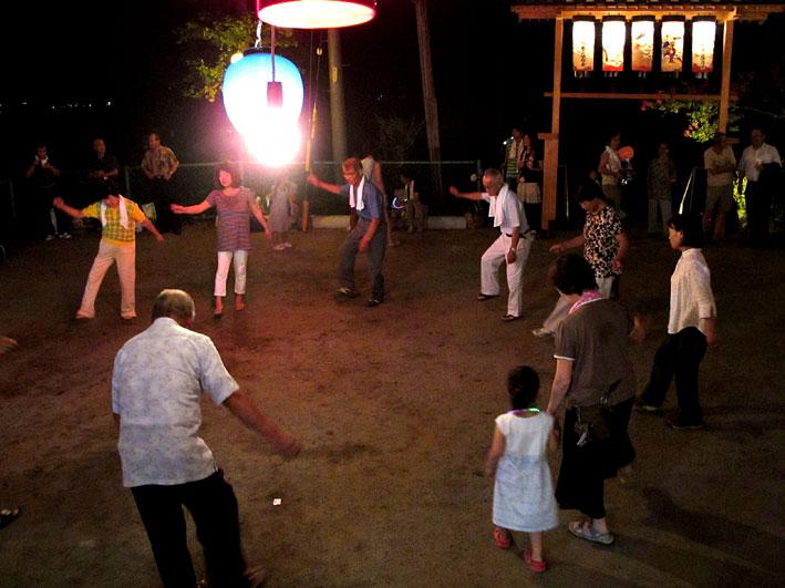 手たたき踊り_b0145296_7145965.jpg