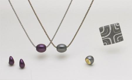 箔紫色と銀砂色、初登場です!_c0145608_15182851.jpg