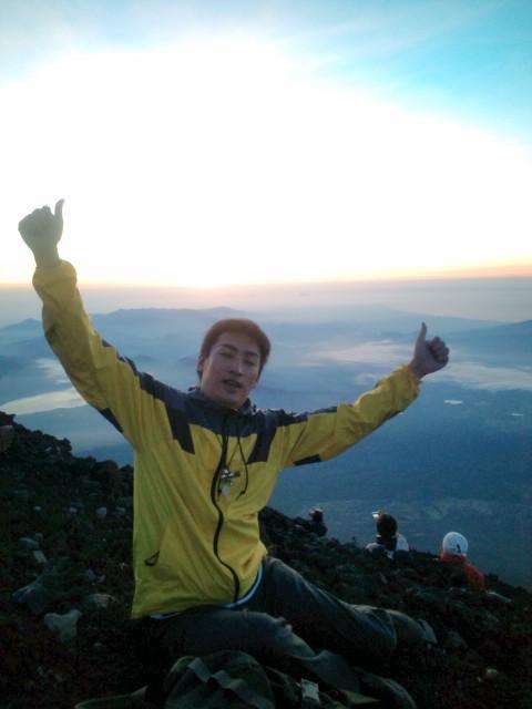 富士山夜間登頂☆下山満身創痍…いまからマサカの渋谷に仕事へ(=゜ω゜)ノ_b0032617_16271158.jpg