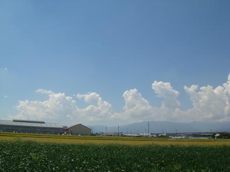 夏雲にかこまれて_a0014840_21274366.jpg