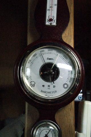 気圧計_e0166355_1711715.jpg