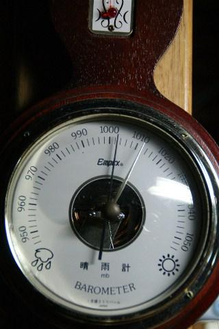 気圧計_e0166355_421345.jpg