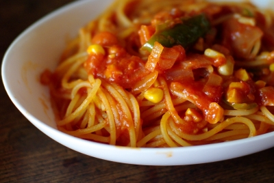 完熟トマトでナポリタン (ケチャップなし)_c0110869_2155757.jpg