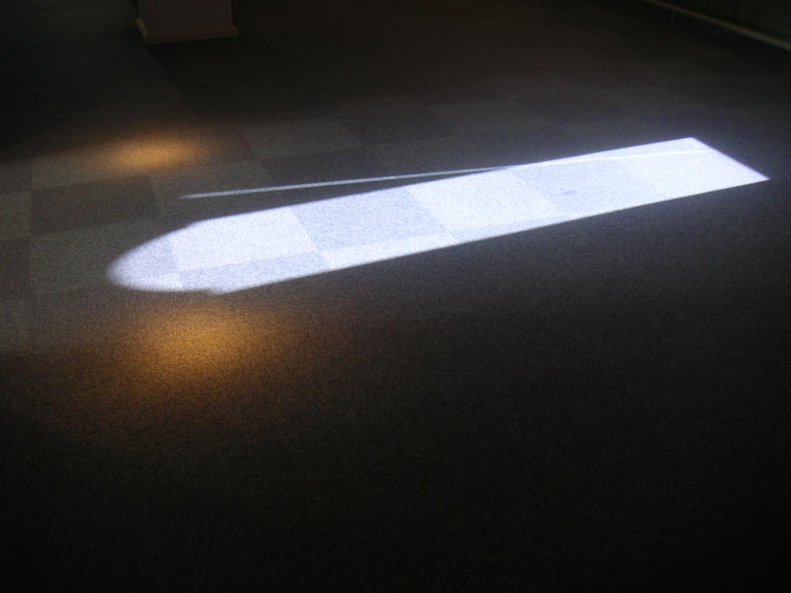 光の扉~ 窓辺をぬける静寂な光_f0146802_0124150.jpg