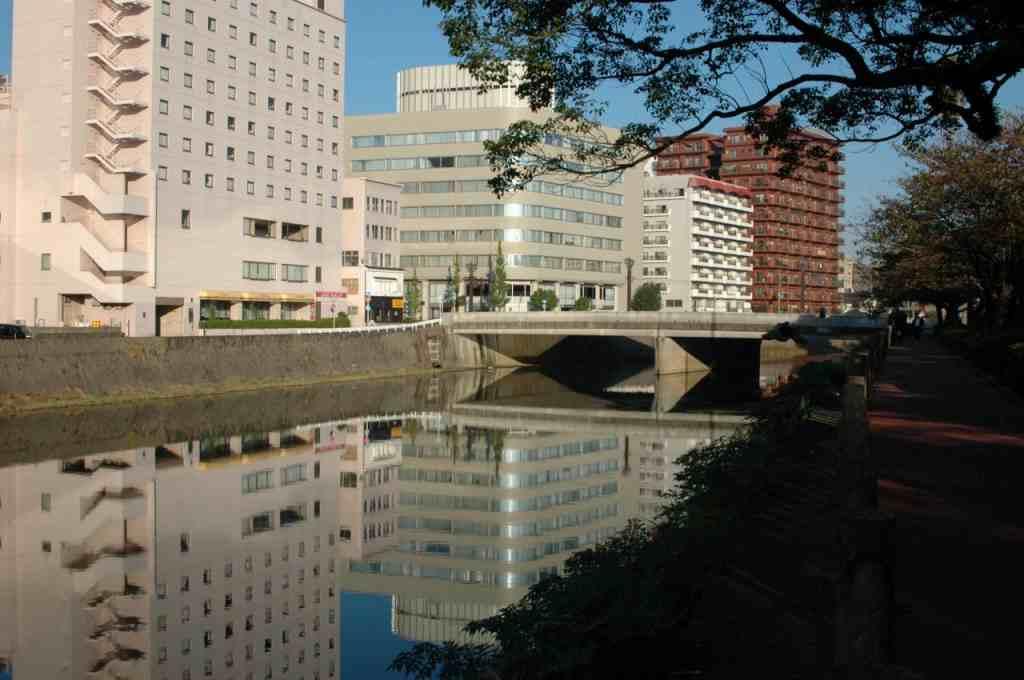 ⑦甲突川(コウツキガワ)に映る_a0148206_17344210.jpg