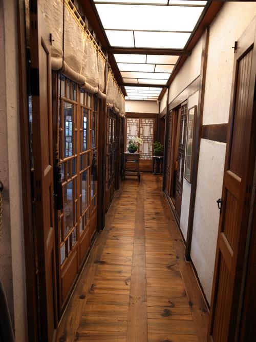 美味しいランチ&素敵な建物 「ミンガダホン」_e0131432_17484848.jpg