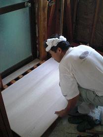 シロアリ被害の状況やお客様のご希望に応じて工事方法を決めています。_d0165368_711733.jpg