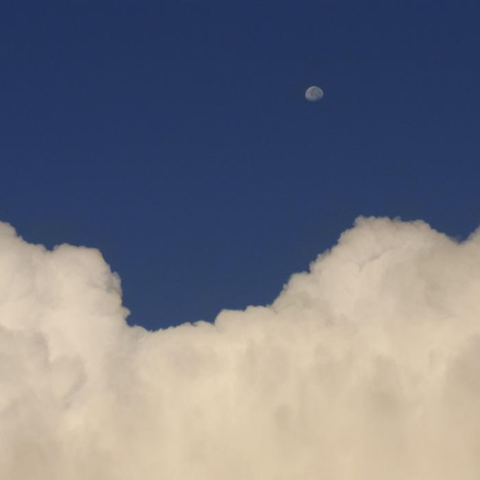 晴れときどき曇りときどき雨 by CX2_c0049299_1265023.jpg