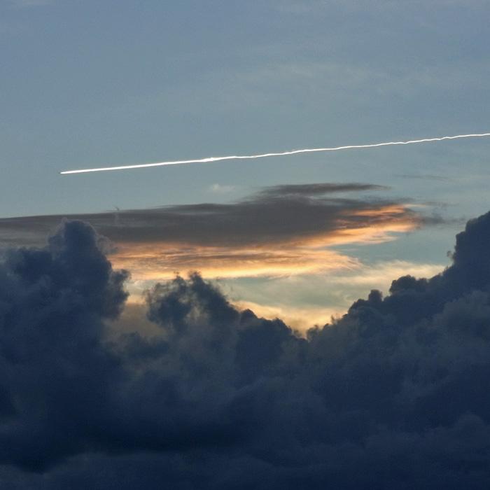 晴れときどき曇りときどき雨 by CX2_c0049299_1291763.jpg