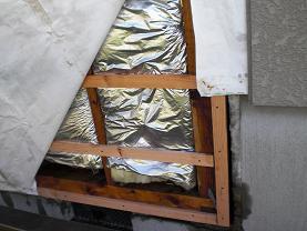 外壁をはがしてシロアリ被害も確認することになりました。_d0165368_6291894.jpg