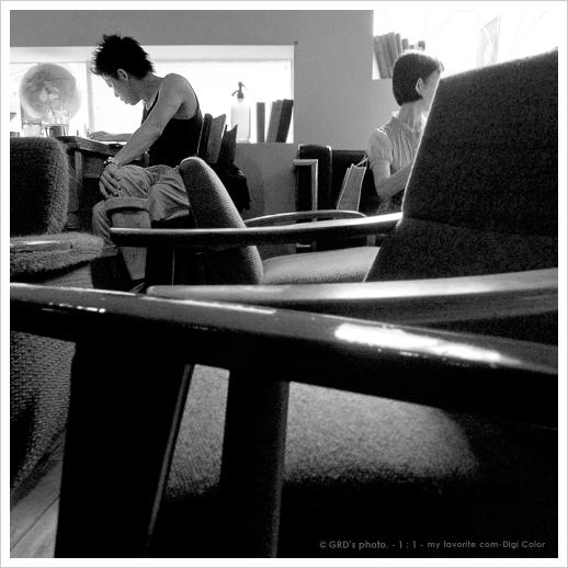 chair_e0117517_2073872.jpg