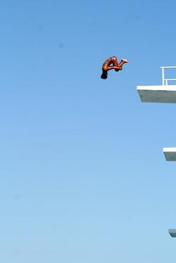 飛び込み台があったら飛びこむでしょ?普通。_b0048834_18351661.jpg
