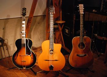 3本のギターたち_e0103024_1453513.jpg