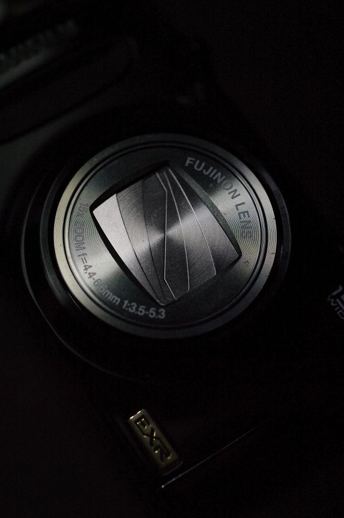 小型 ウエポン FUJIFILM F300EXRがやって来た_f0050534_8183366.jpg