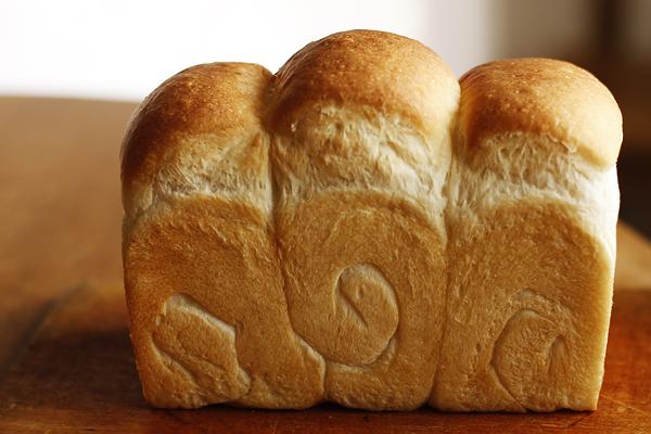 クランベリーと胡桃のパン_f0149855_1310078.jpg