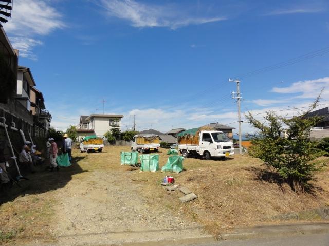 みさき公園団地:刈り取った草の片付け②_c0108460_13444517.jpg