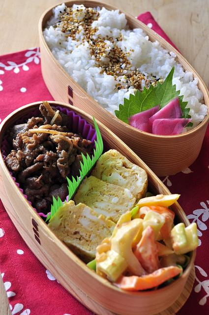 しぐれ煮と野菜のキムマヨ和え弁当_b0171098_7512536.jpg