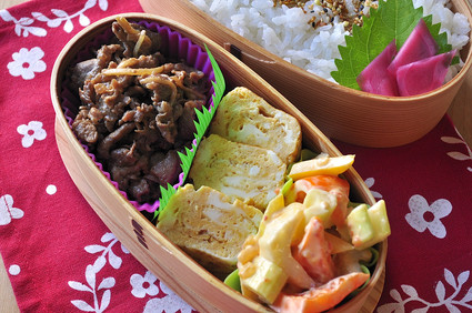 しぐれ煮と野菜のキムマヨ和え弁当_b0171098_9135724.jpg