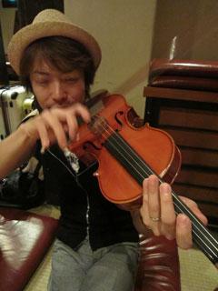 踊り明かそうよ、僕のギターで!!!_c0127670_4301186.jpg