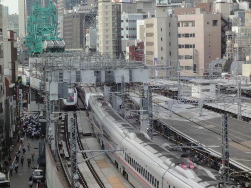 7Fの高さに電車_c0019880_1258668.jpg