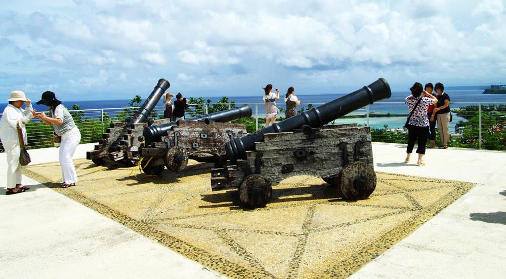 2010年夏のグアム旅行(2) 2日目の①~アプガン砦、ラッテストーン公園~_c0223825_2216199.jpg