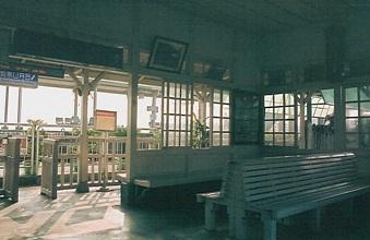 台湾鉄路管理局縦貫線 保安駅(車站)_e0030537_22514646.jpg