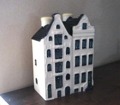 オランダのミニチュアハウスに入ったお酒_b0087556_2271924.jpg