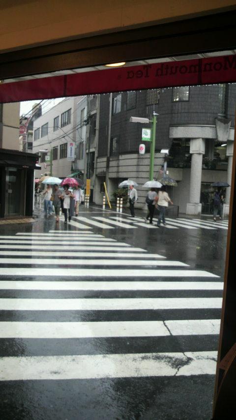 雨_a0075684_1212690.jpg