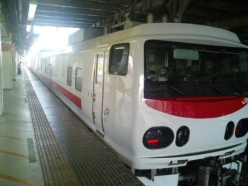 きれいな電車 マヤ50_a0163788_2021429.jpg