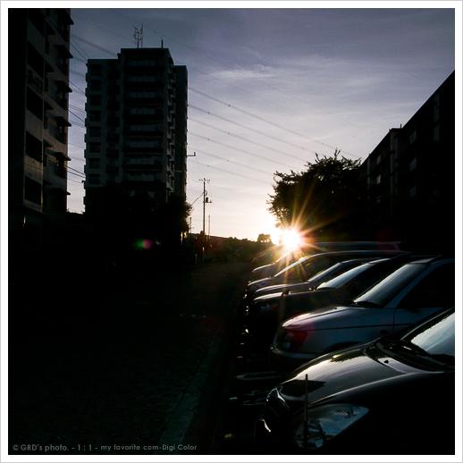 夕陽を横目に…_e0117517_18232747.jpg
