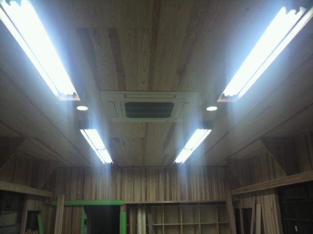 照明設置_e0118649_20513759.jpg