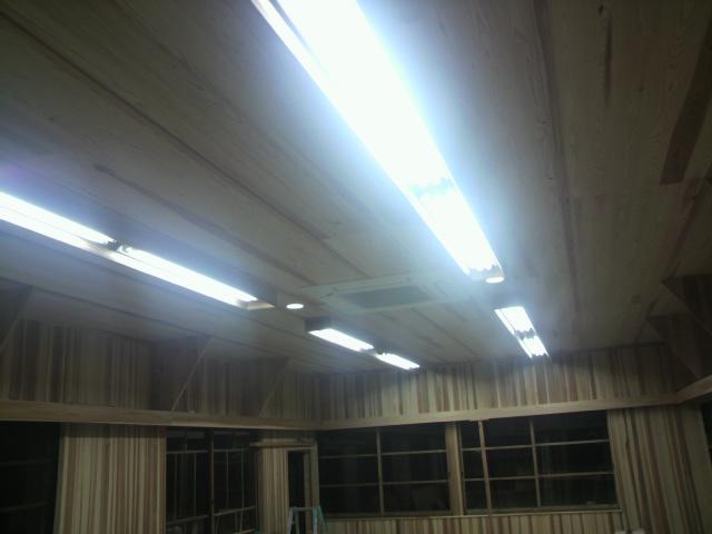 照明設置_e0118649_2052893.jpg