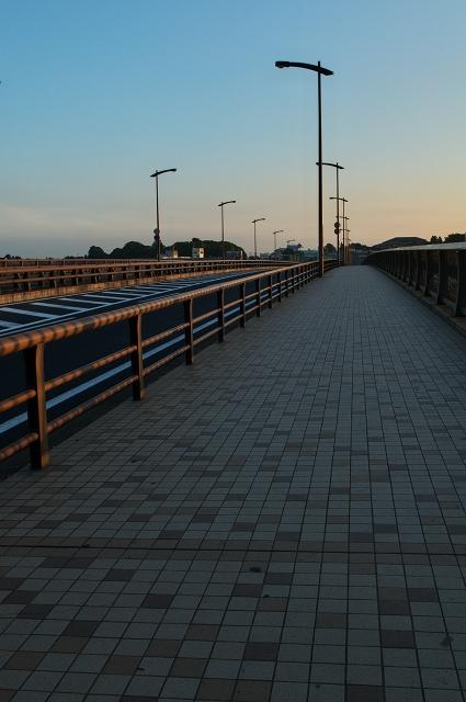 手賀大橋の朝_f0018464_16475724.jpg