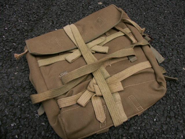 陸軍下士官兵用「タコ足」背のう・完全品 (売却済) _a0154482_15103285.jpg