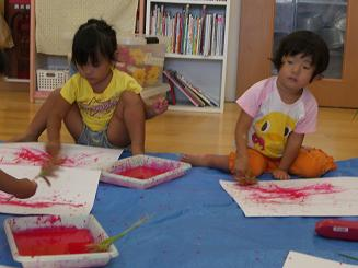お絵かきを楽しみました。ことりぐみ(2歳児)_c0197584_12292791.jpg