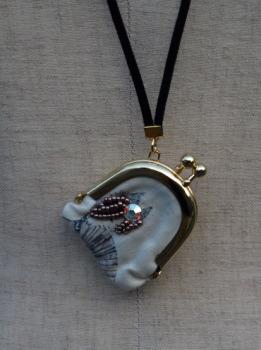 宝石を入れるガマグチがアクセサリー!!aiko szki_e0126063_15343162.jpg