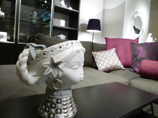 Bo concept(デンマークの家具)とリヤドロ(スペインの陶器)_a0116902_22353945.jpg