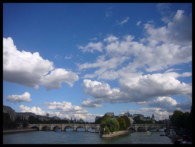 【パリの橋】ポン・ヌフ9月12日(PARIS)_a0008105_1941641.jpg