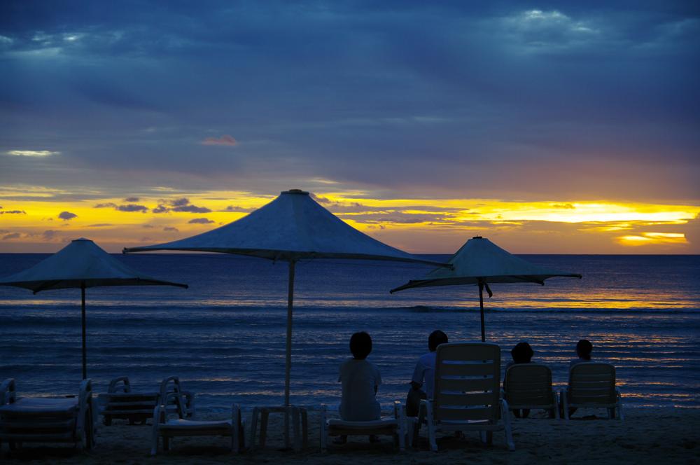 2010年夏のグアム旅行(6) ~ Resort Hotel ② 魅惑のサンセット~_c0223825_22544551.jpg