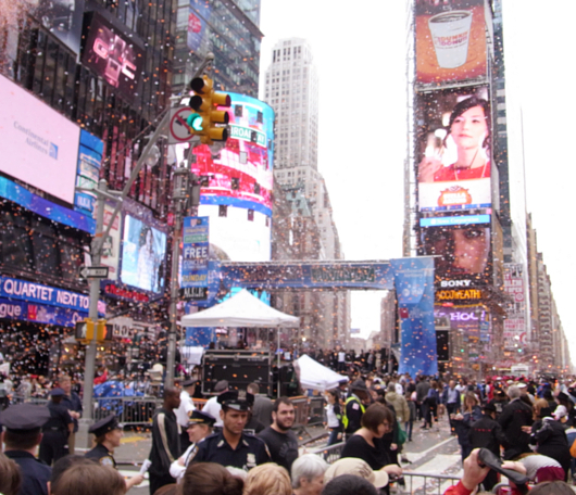 "\""Broadway On Broadway 2010\""の感動的なフィナーレ映像_b0007805_1012595.jpg"