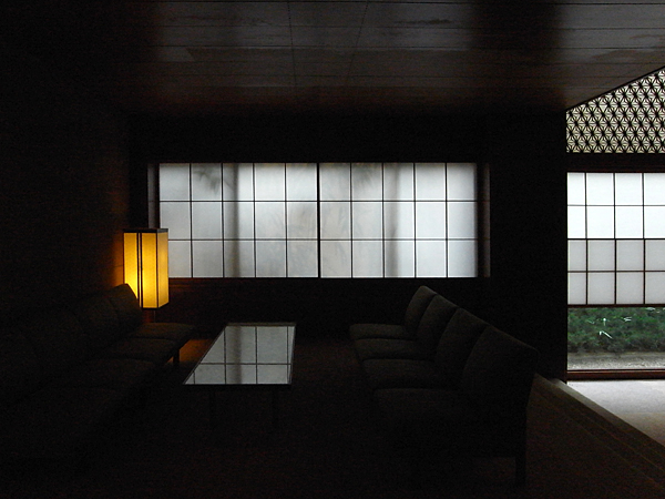 100913 ホテルオークラ東京-映りこみと艶-_b0129659_8183330.jpg