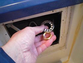 ユニットバスのシャワー付き混合水栓の取替え方法です。~取り付け方法1。_d0165368_661847.jpg