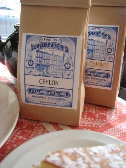 アメリカの紅茶と謎のケーキ_b0158721_20574369.jpg
