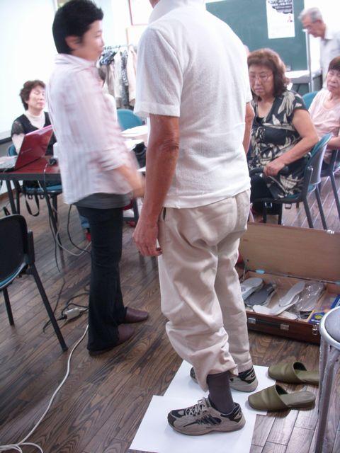 認知症予防教室・・・足・靴について_c0113948_21245954.jpg