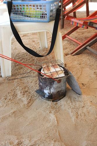 パタヤの海でスルメを買う_c0134569_20575340.jpg