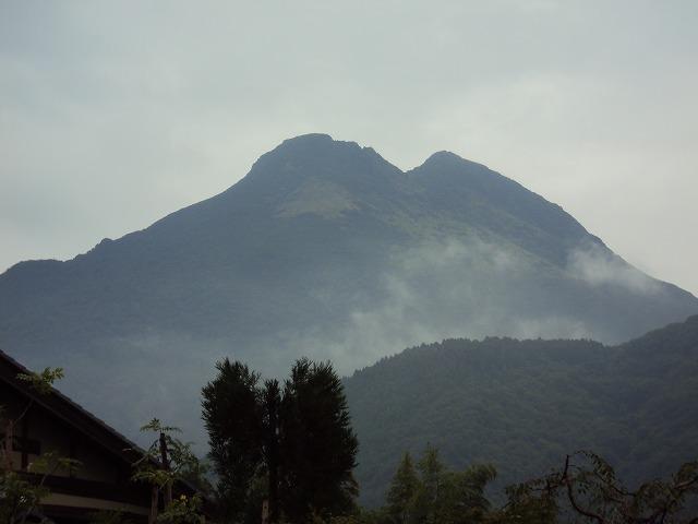 雨の由布岳_c0140982_1113156.jpg