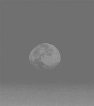 お月様に思いを馳せる、、、_f0077789_715137.jpg